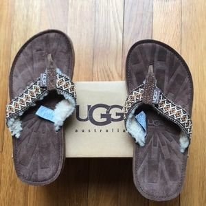 UGG tasmina flip flop sandals NWT in box sz 5